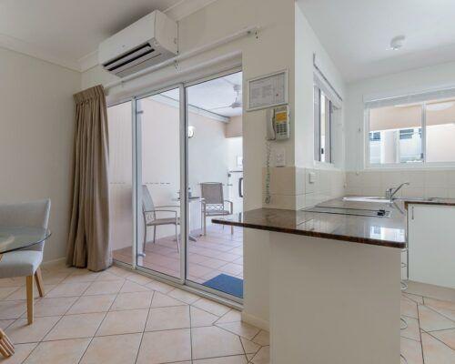 port-douglas-1-bedroom-standard-apartments-(5)