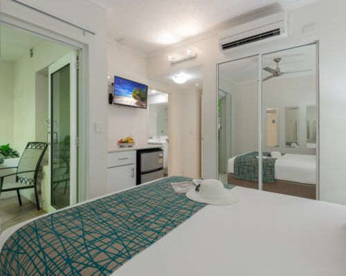 port-douglas-studio-and-queen-apartments (3)